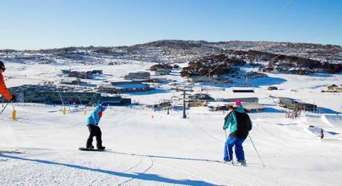 科休斯科国家公园 (Kosciuszko National Park) 佩里舍山滑雪度假村 (Perisher Range Ski Resort)