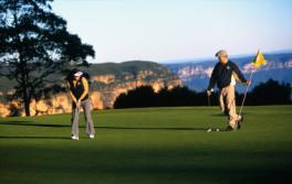 罗拉 (Leura) 的罗拉高尔夫球场 (Leura Golf Course)